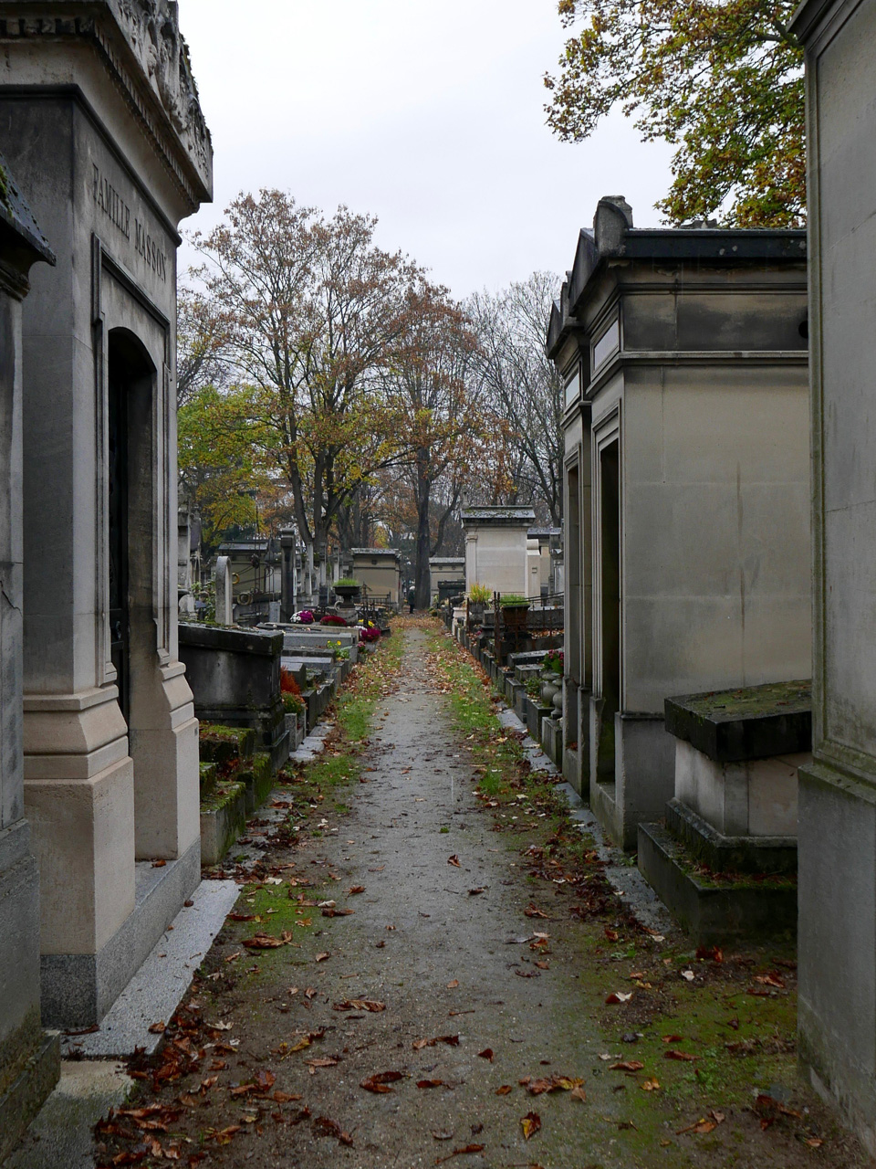 Cara Sharratt Travel - Père-Lachaise Cemetery, Paris