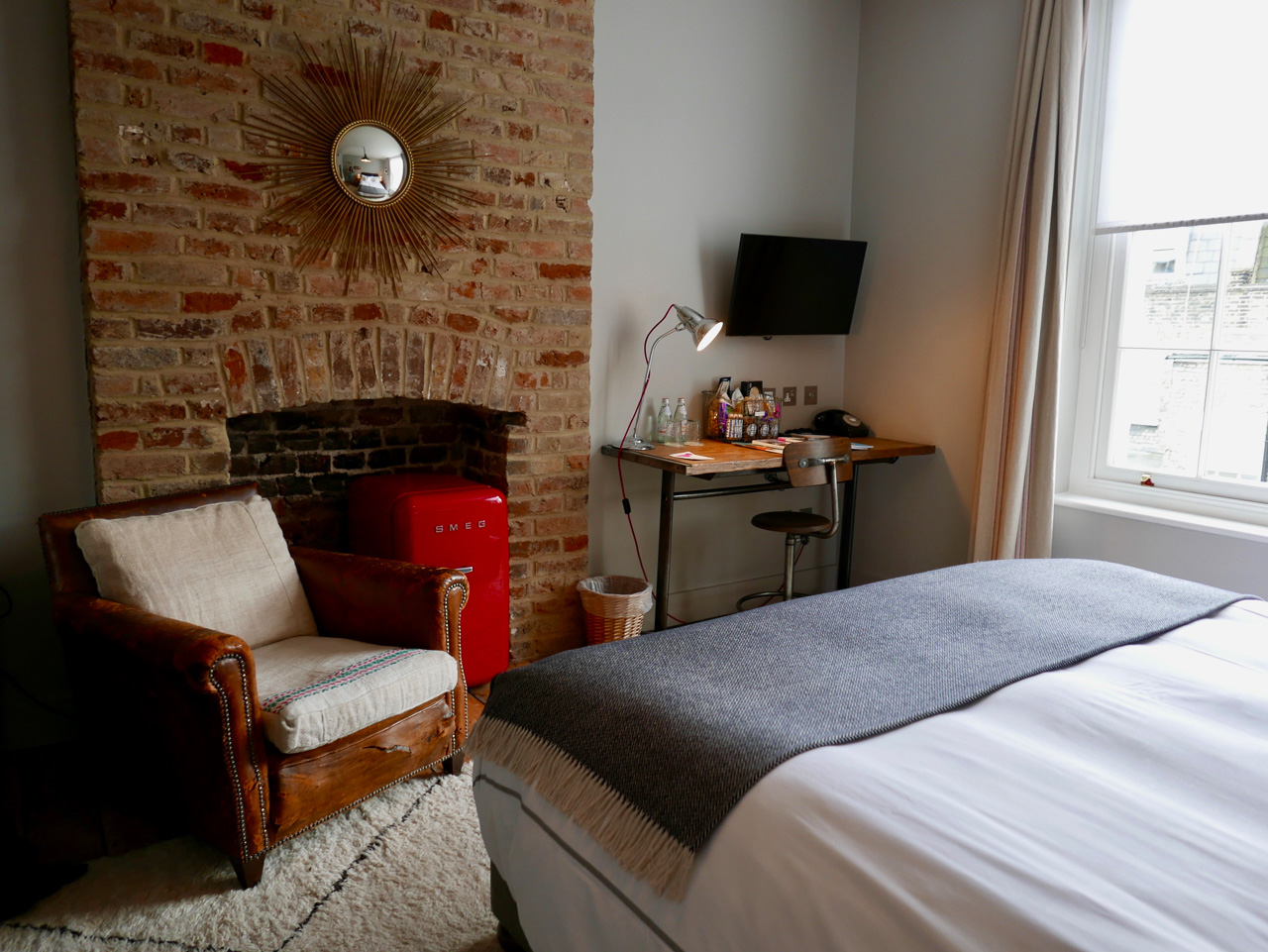 Cara Sharratt Travel - Artist Residence, London - Medium Room
