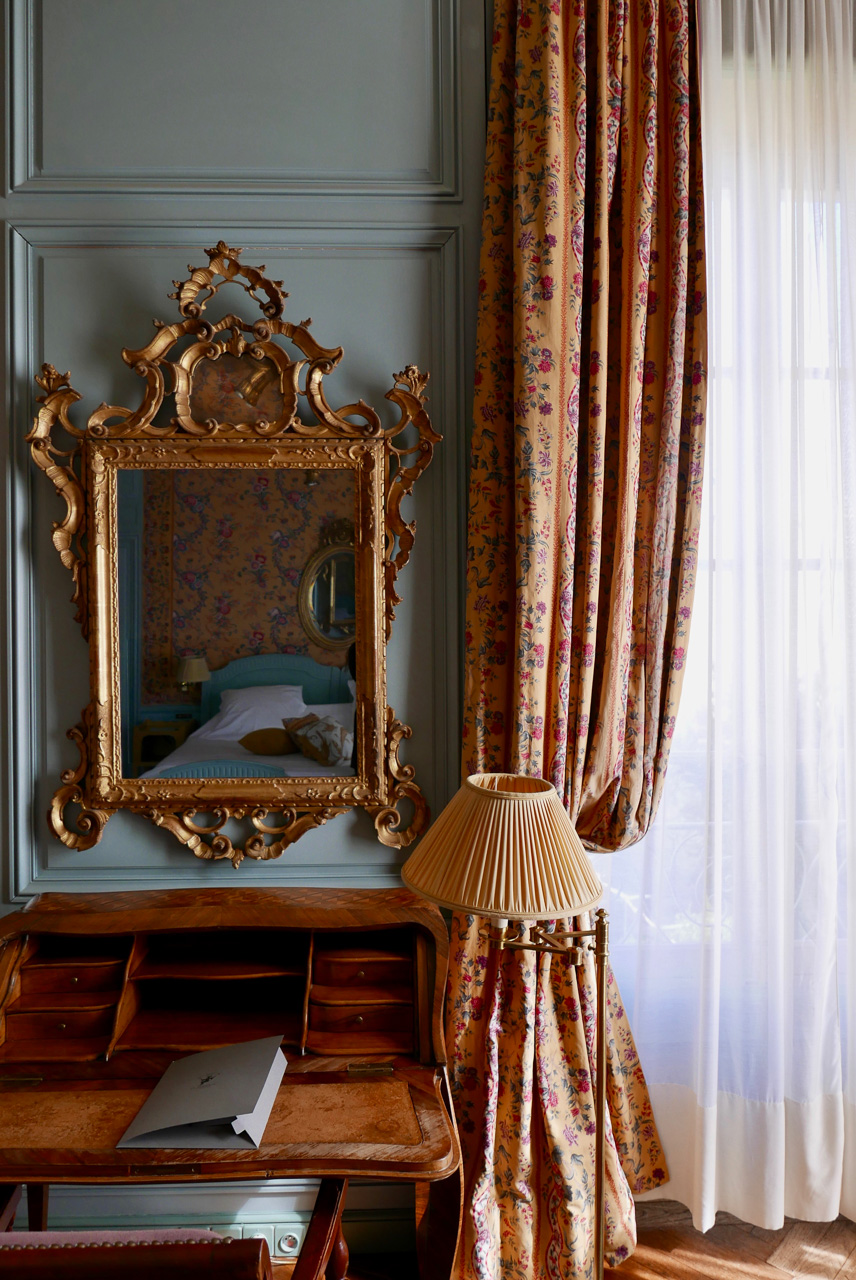 Cara Sharratt Travel - La Mirande - Room Details - Avignon, France