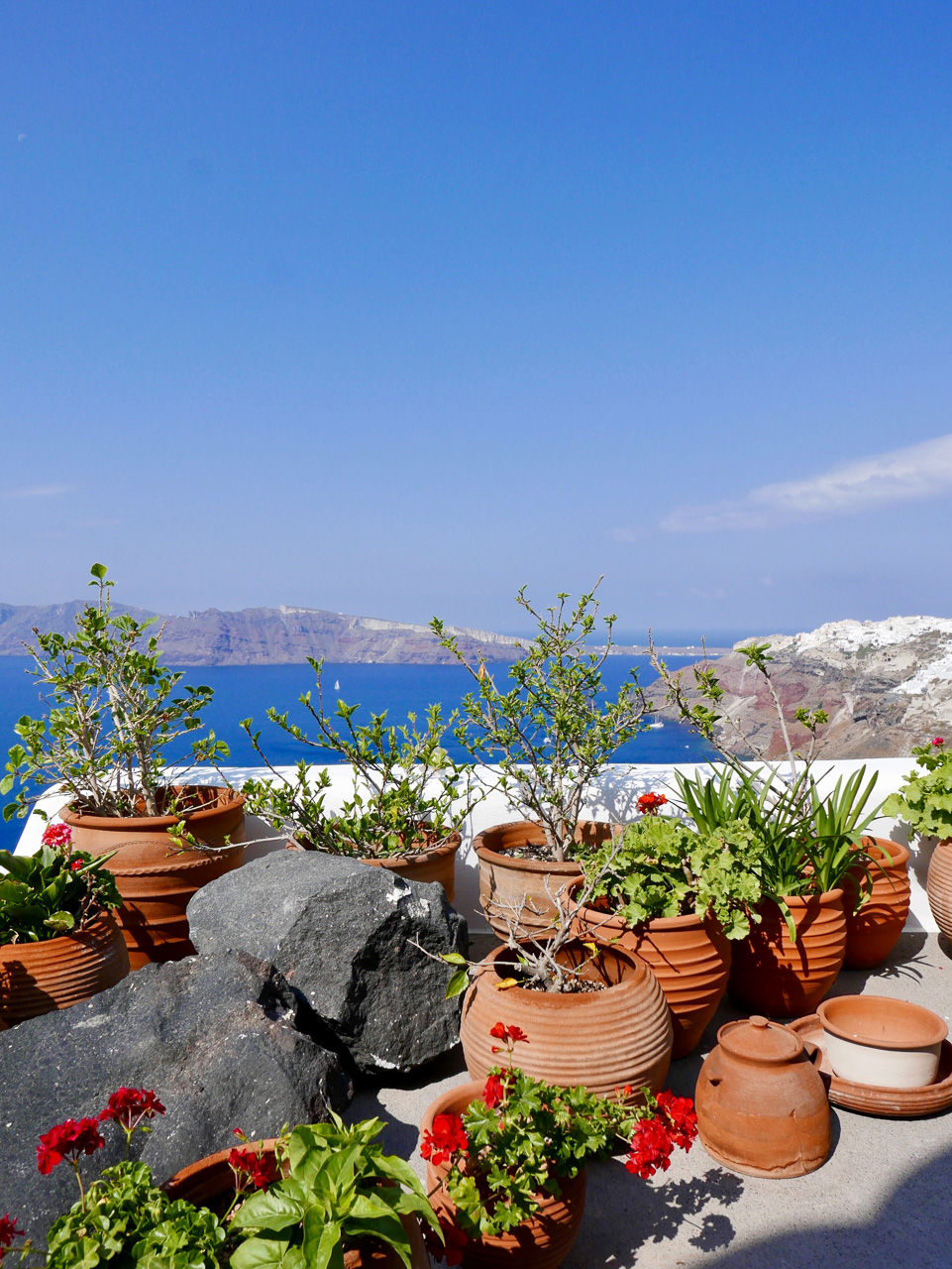 Cara Sharratt Travel - Oia, Santorini, Greece