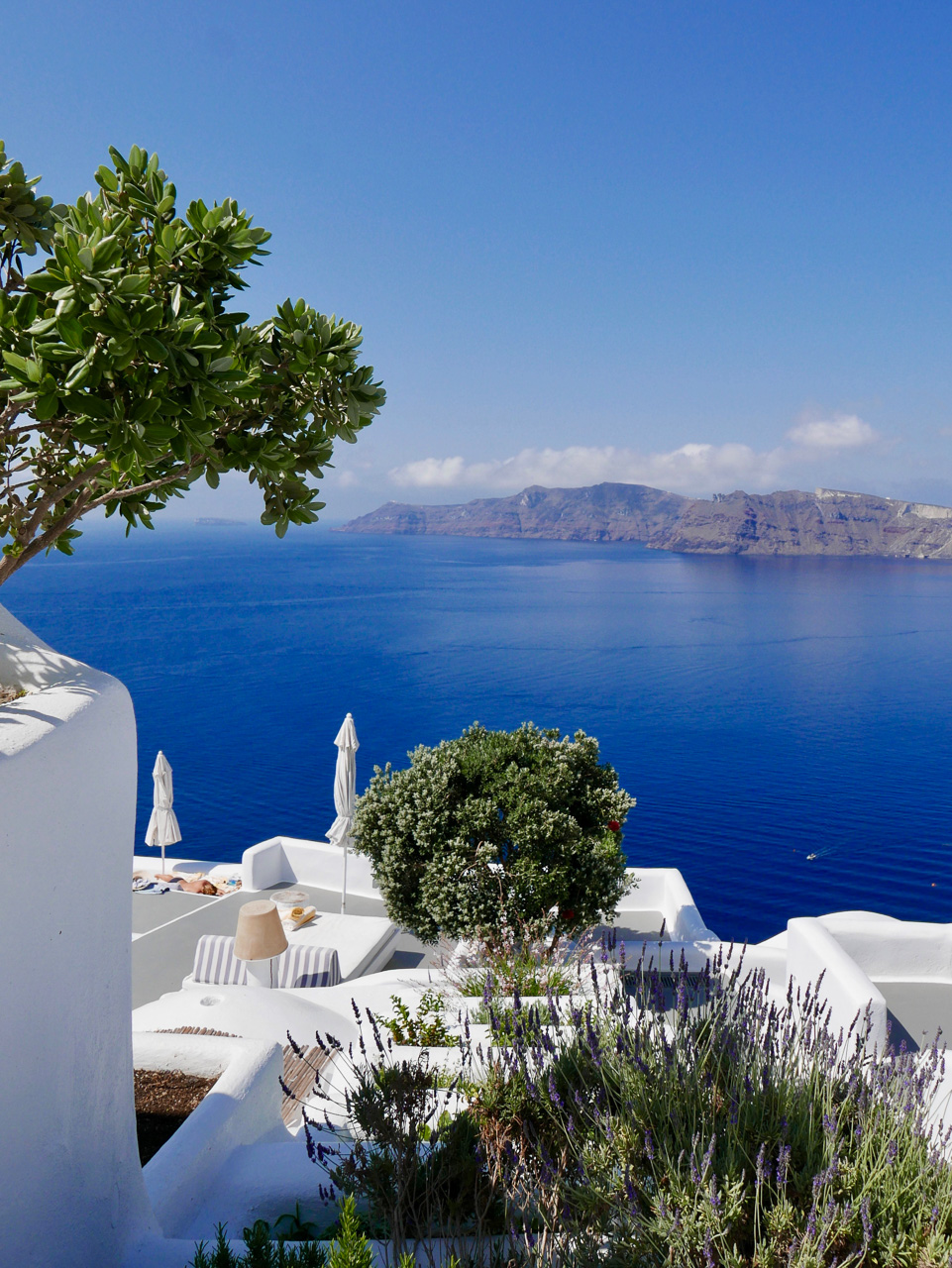 Cara Sharratt Travel - Santorini, Greece