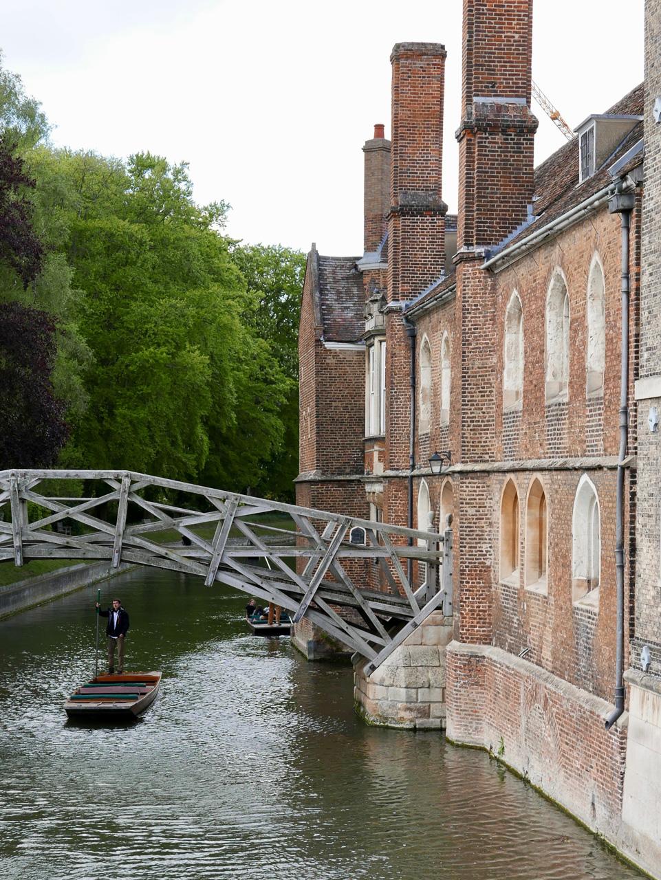 Cara Sharratt Travel - Punting - Cambridge, England