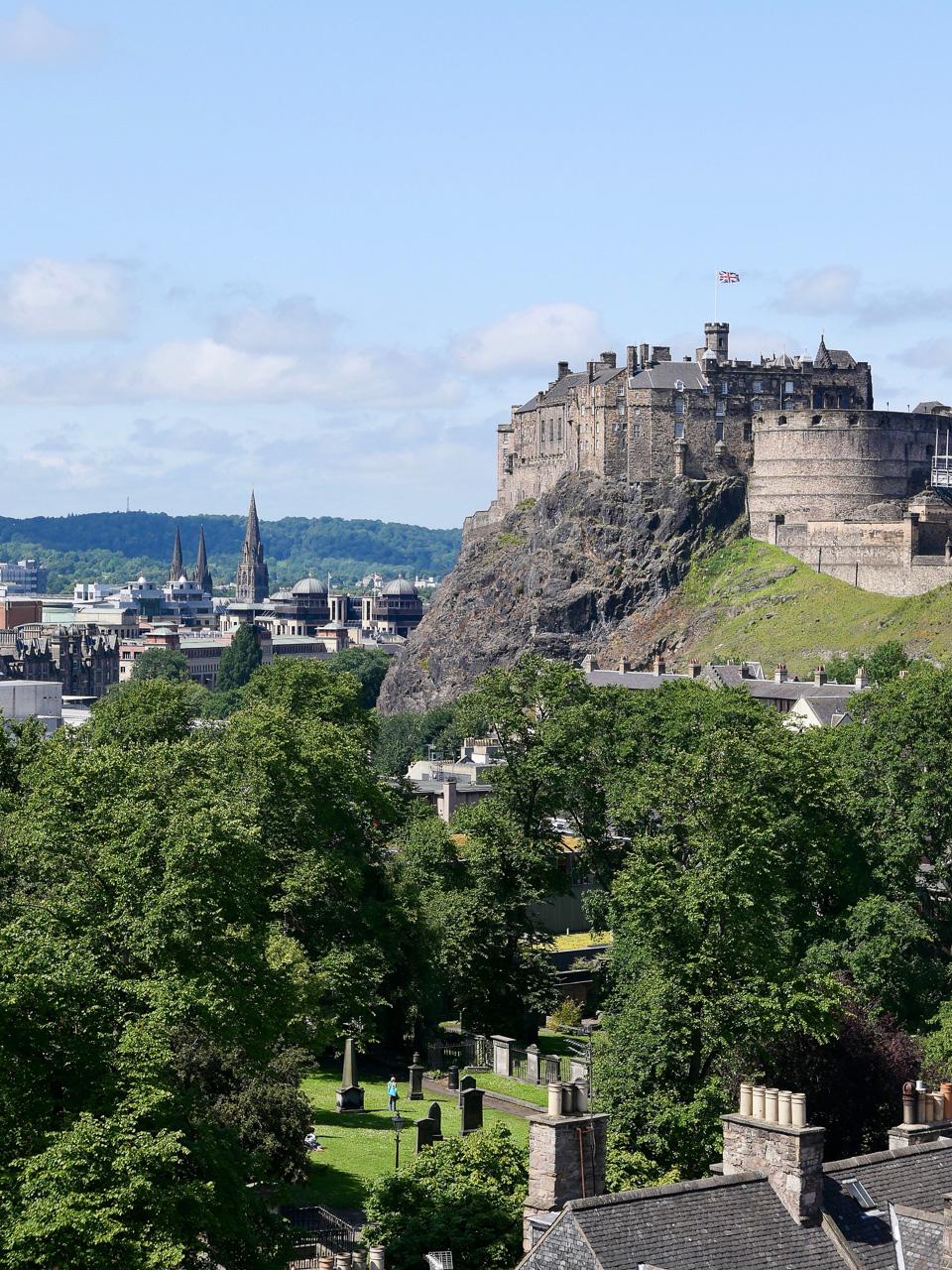 Cara Sharratt Travel - Edinburgh, Scotland