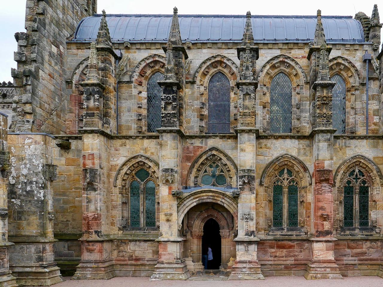 Cara Sharratt Travel - Rosslyn Chapel, Scotland