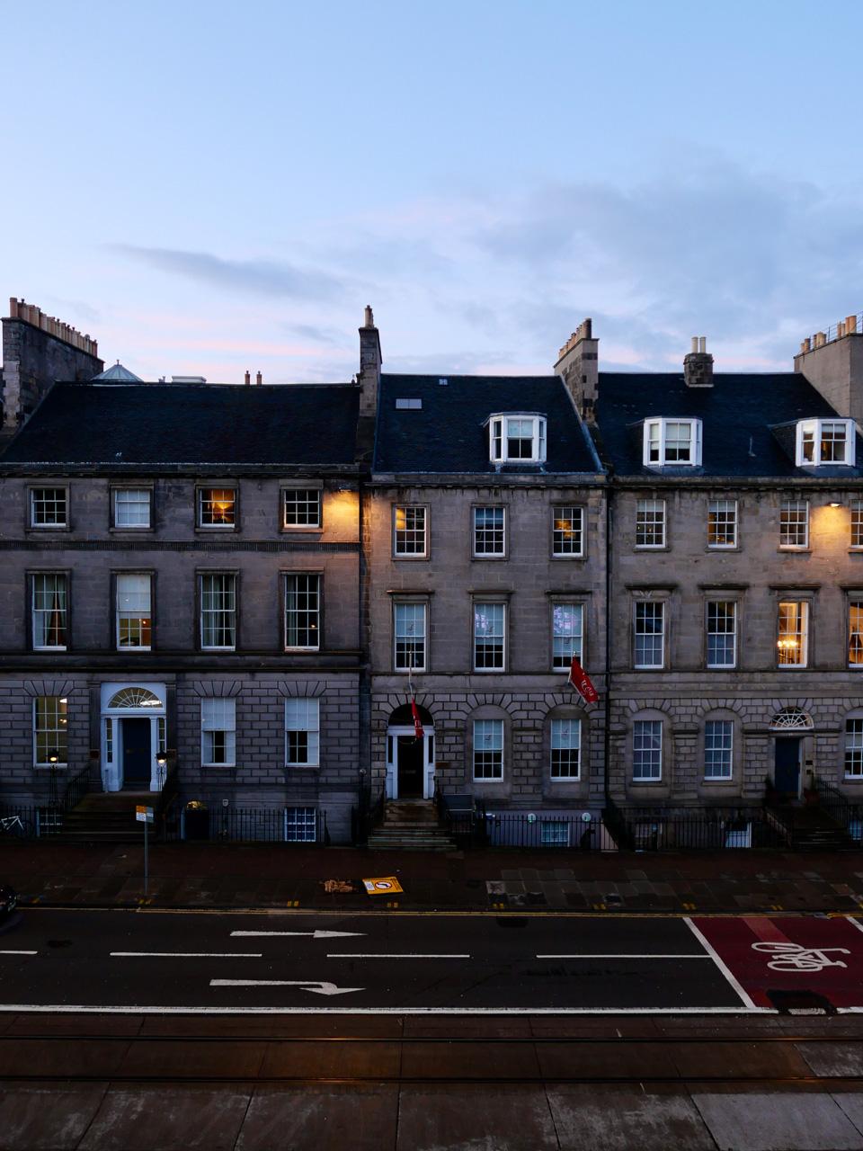 Cara Sharratt Travel - Edinburgh, United Kingdom