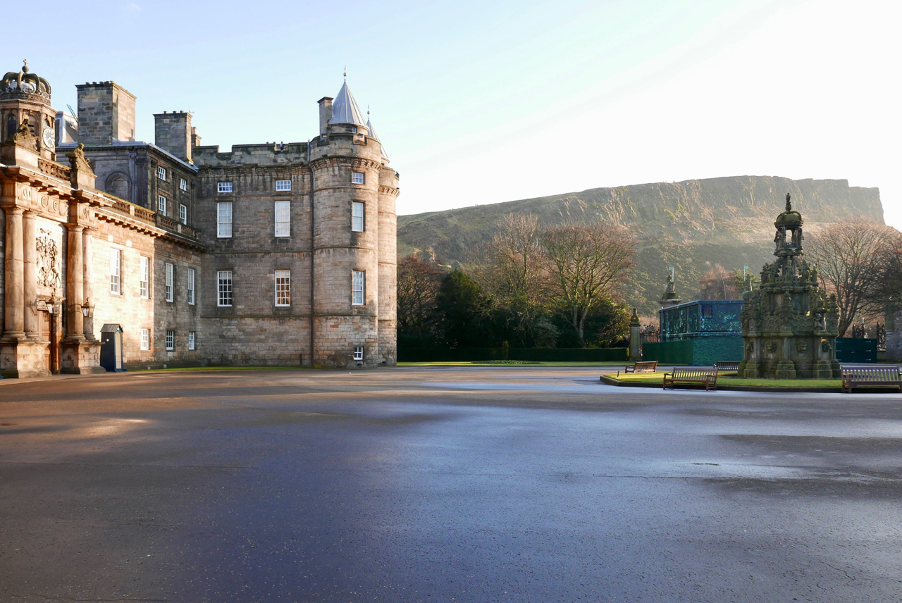 Cara Sharratt Travel - Palace of Holyroodhouse - Edinburgh, Scotland
