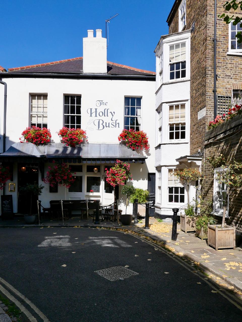 Cara Sharratt Travel - Primrose Hill - London, England
