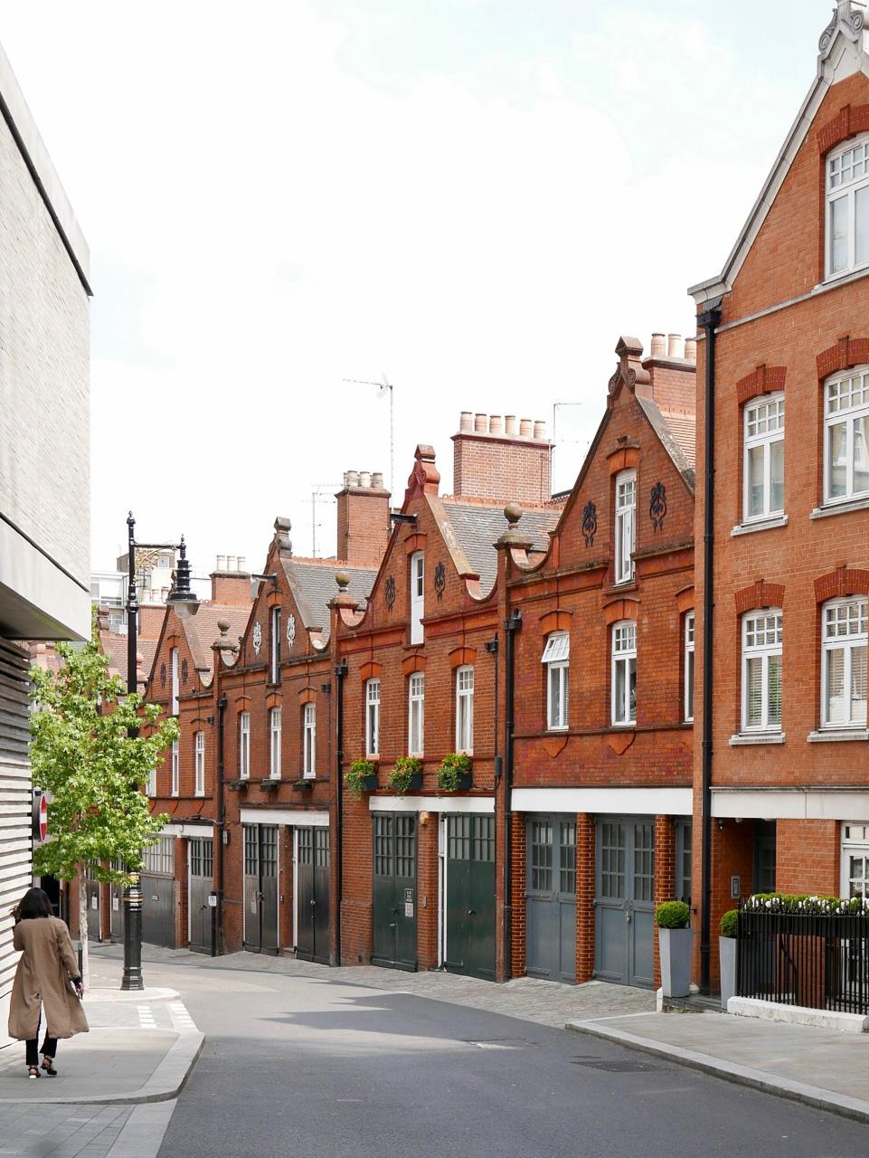 Cara Sharratt Travel - Mews in Mayfair - London, England