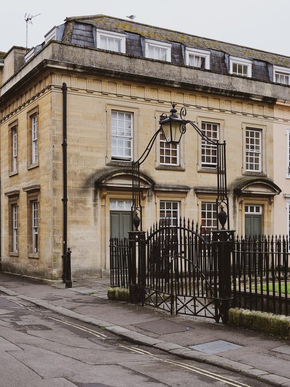 Cara Sharratt Travel - Bath, England